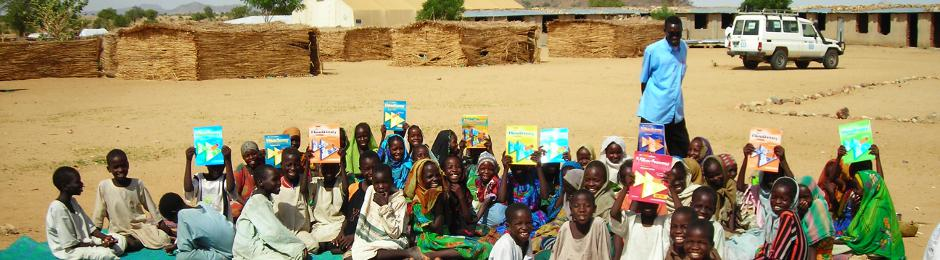 Refugees from Darfur need books for education